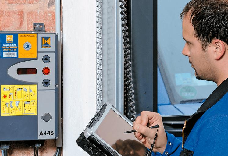 Especialistas en la reparación de puertas industriales